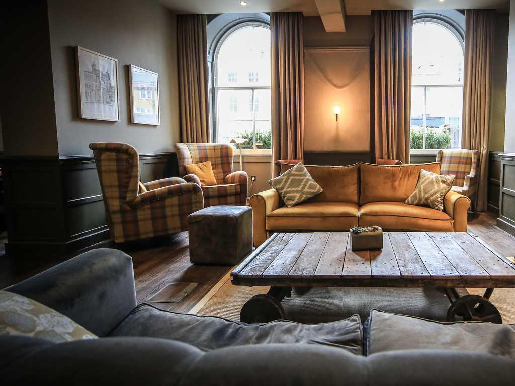 Kings Head Hotel (Cirencester) in Cotswolds : Luxury Hotel Breaks in ...