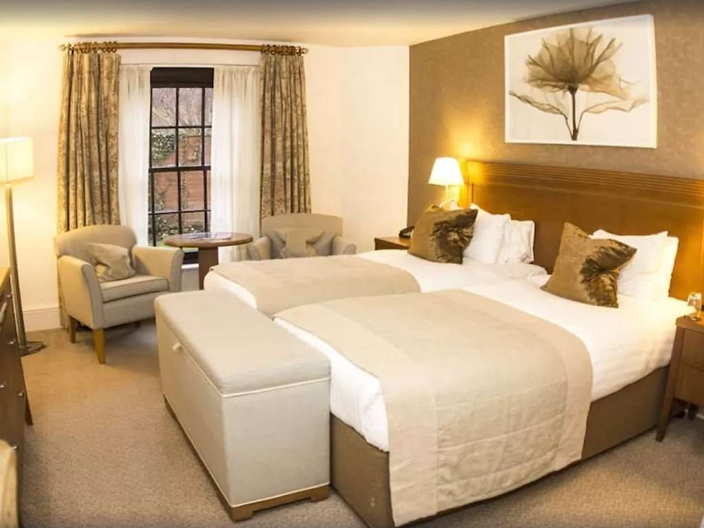 Classic Twin room, Ettington Park Hotel