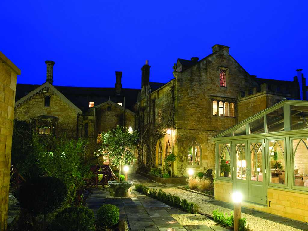 Manor house hotel moreton in marsh in cotswolds and for Luxury hotel breaks