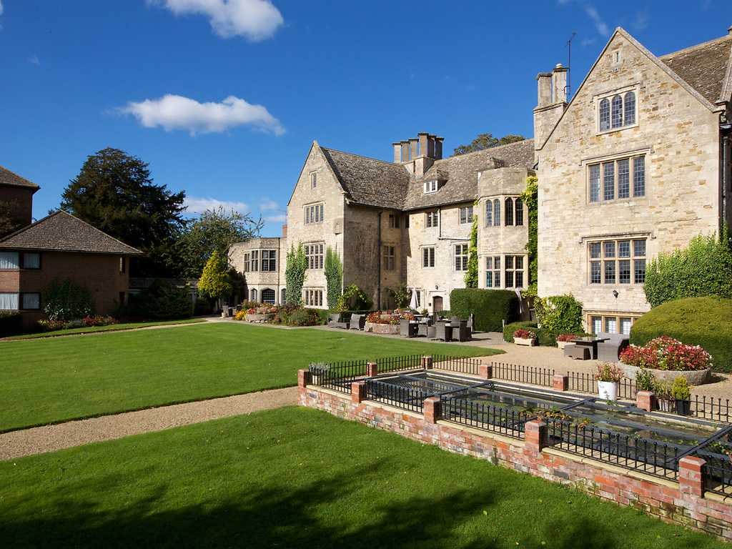 Stonehouse Court Hotel In Cotswolds And Nr Stroud Luxury Hotel Breaks In The Uk