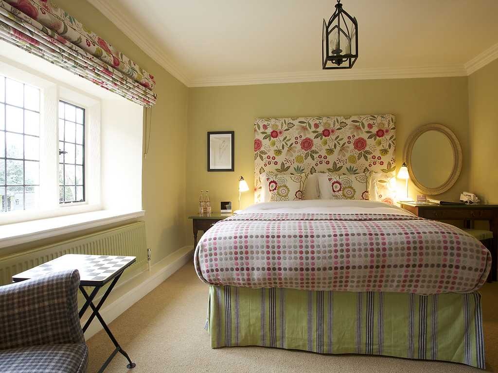 Very Good Double room, The Bear of Rodborough Hotel