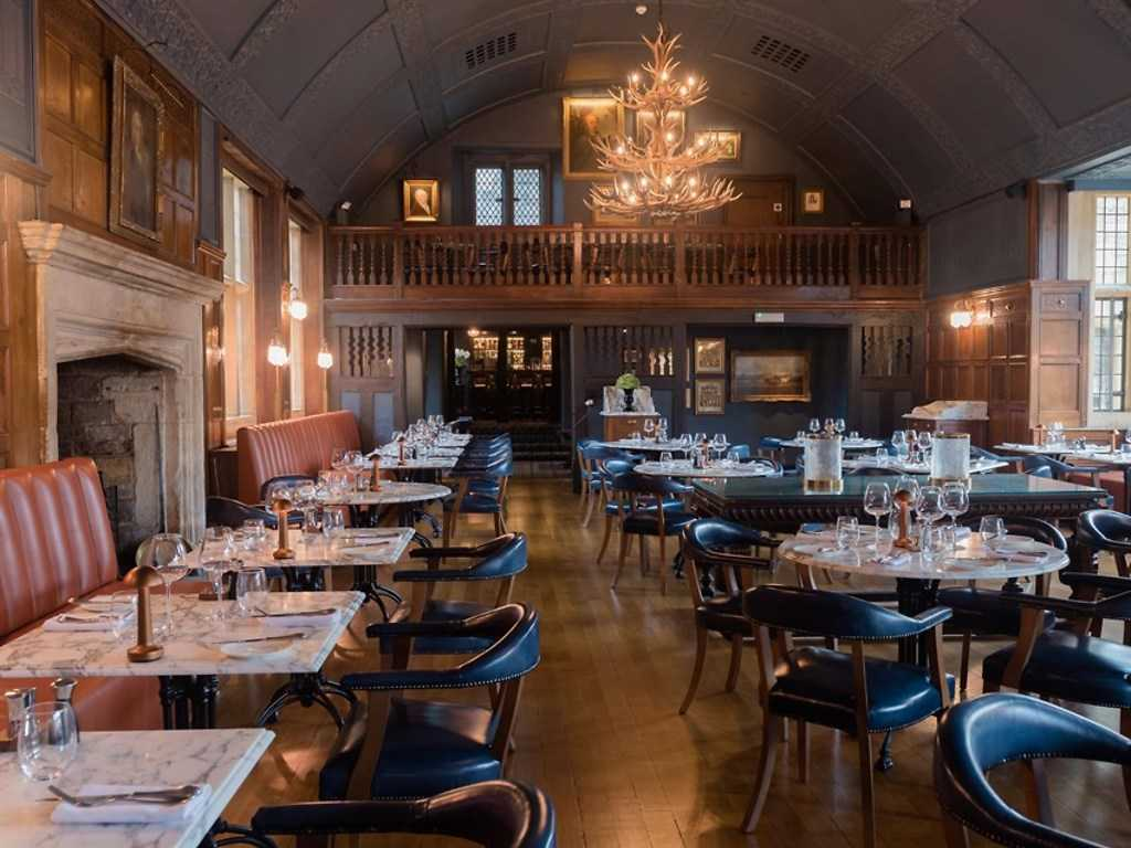 The Lygon Bar & Grill restaurant, The Lygon Arms