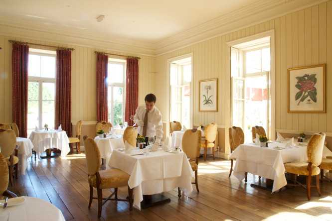Wyck hill house hotel spa restaurant dining and eating for W hotel in room dining menu